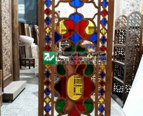 پارتیشن چوبی قواره بری مشبک شیشه رنگی ساخته شده با هنر گره چینی پروژه هتل قصر طلایی مشهد