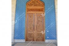 درب چوبی سنتی گره چینی با هنر دست مسجد حضرت فاطمه(س)- نخجوان - جمهوری آذربایجان