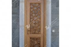 درب چوبی گره چینی سنتی با چوب گردو و راش مسجد حضرت فاطمه(س)- نخجوان - جمهوری آذربایجان