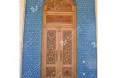 درب چوبی با هنر گره چینی سنتی مسجد حضرت فاطمه(س)- نخجوان - جمهوری آذربایجان