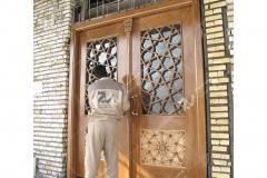 (1) نصب درب چوبی گره چینی مشبک مسجد نیروگاه سیکل ترکیبی فردوسی ( طوس ) - مشهد مقدس