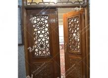 (7) درب چوبی گره چینی مشبک مسجد و مجتمع فرهنگی حضرت علی اصغر (ع) دانش- مشهد مقدس