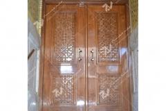 (2) درب چوبی سنتی گره چینی مشبک مسجد و مجتمع فرهنگی حضرت علی اصغر (ع) دانش- مشهد مقدس