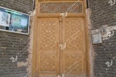 درب چوبی گره چینی توپر مجتمع آموزشی سیدالشهدا- عدل خمینی- مشهد مقدس (2)