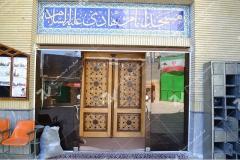 (2) درب چوبی گره چینی توپر مسجد و حسینیه امام هادی (ع) – خیابان وحدت - مشهد مقدس
