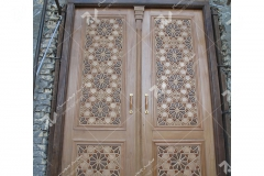 (7) درب سنتی چوبی گره چینی دو قاب ورودی موسسه تراث الشهید حکیم – عراق - نجف اشرف