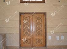 (3) درب سنتی چوبی گره چینی ورودی موسسه تراث الشهید حکیم – عراق - نجف اشرف