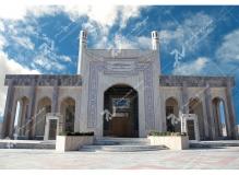 (9)درب ورودی چوبی و گره چینی مسجد وحسینیه شهدای دانشگاه آزاد نیشابور