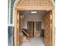 (5) درب چوبی سنتی گره چینی توپر و مشبک مسجد دانشگاه آزاد قوچان