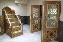 (1) درب چوبی سنتی گره چینی و منبر مسجد دانشگاه آزاد قوچان