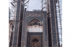 (5) درب چوبی سنتی گره چینی با هنر دست مسجد دانشگاه آزاد شاهرود