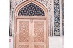 (8) درب چوبی گره چینی تند ده مسجد دانشگاه آزاد شاهرود