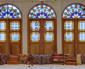 درب سنتی چوبی گره چینی ارسی شیشه رنگی