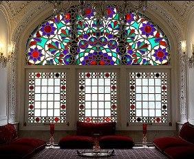 پنجره ارسی شیشه رنگی چوبی
