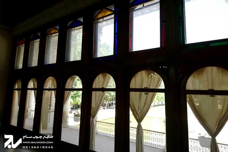 پنجره ارسی چوبی سنتی شیشه رنگی |باغ عفیف آباد ( گلشن )