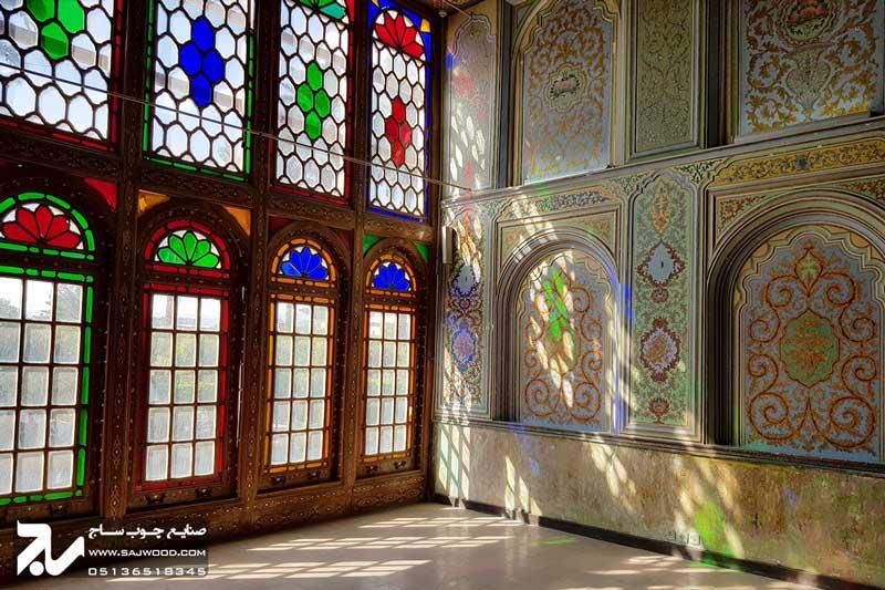 پنجره شیشه رنگی ارسی سنتی چوبی گره چینی|باغ نارنجستان قوام