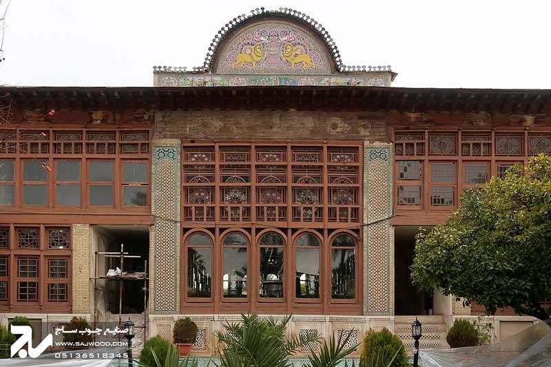 پنجره چوبی سنتی ارسی شیشه رنگی گره چینی|باغ نارنجستان قوام