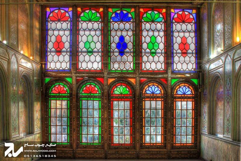 پنجره ارسی شیشه رنگی چوبی سنتی گره چینی|باغ نارنجستان قوام