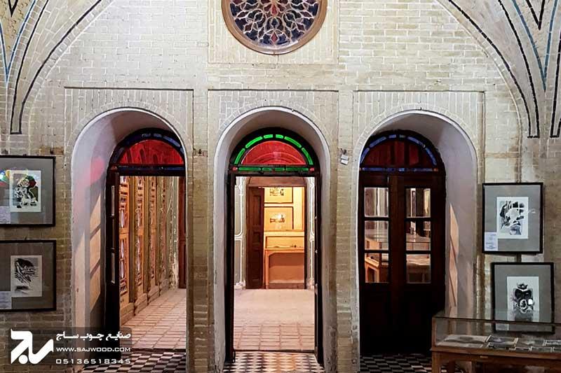 درب چوبی سنتی شیشه رنگی  موزه و خانه فروغ الملک