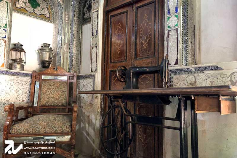 درب چوبی سنتی موزه و خانه فروغ الملک