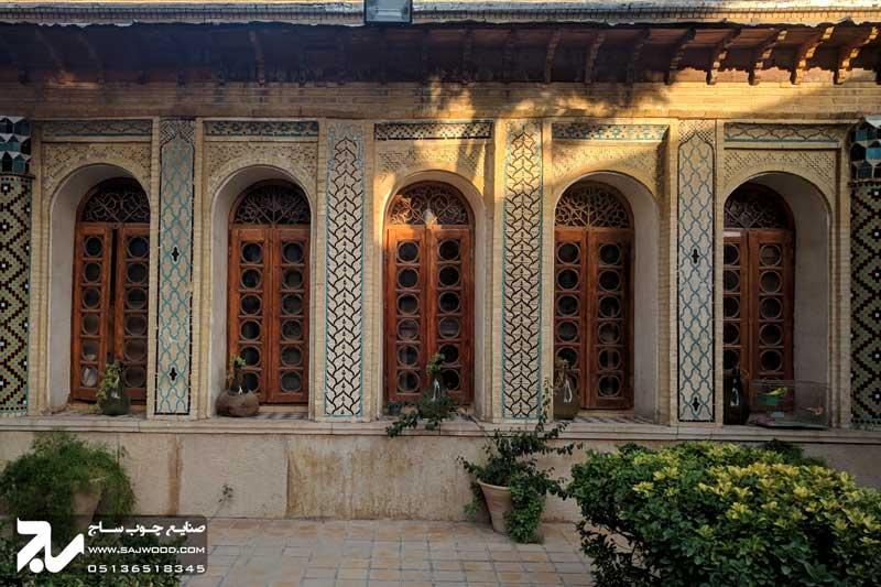 پنجره ارسی چوبی سنتی موزه و خانه فروغ الملک