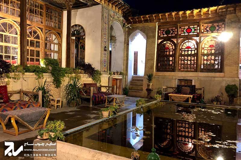 پنجره چوبی سنتی ارسی شیشه رنگی|خانه منطقی نژاد