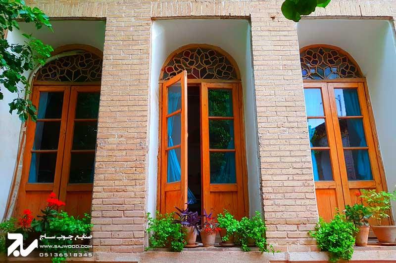 پنجره ارسی  سنتی چوبی شیشه رنگی |خانه منطقی نژاد