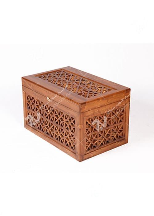 صندوق ( صندوقچه ) قدیمی چوبی سنتی مشبک گره چینی - آذین کد ۶۱۱