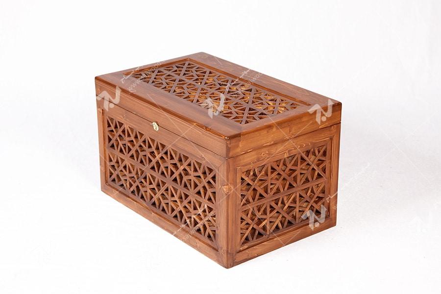 صندوقچه آنتیک و دکوراتیو چوبی سنتی مشبک گره چینی - آذین کد ۶۰۹