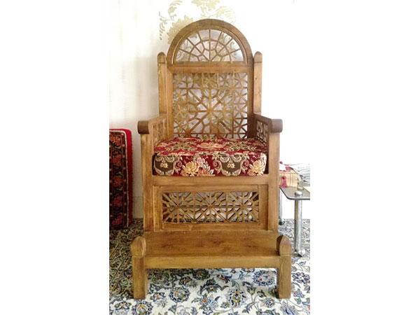 منبر چوبی مسجد گره چینی دو پله هشت گل – کد ۱۰۹
