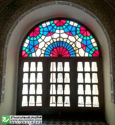 نقش گره چینی پنجره ارسی شیشه رنگی و قواره بری
