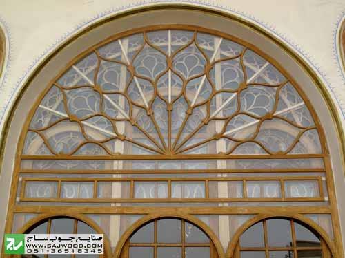 پاتاق دو جداره پنجره ارسی با شیشه های رنگی قواره بری