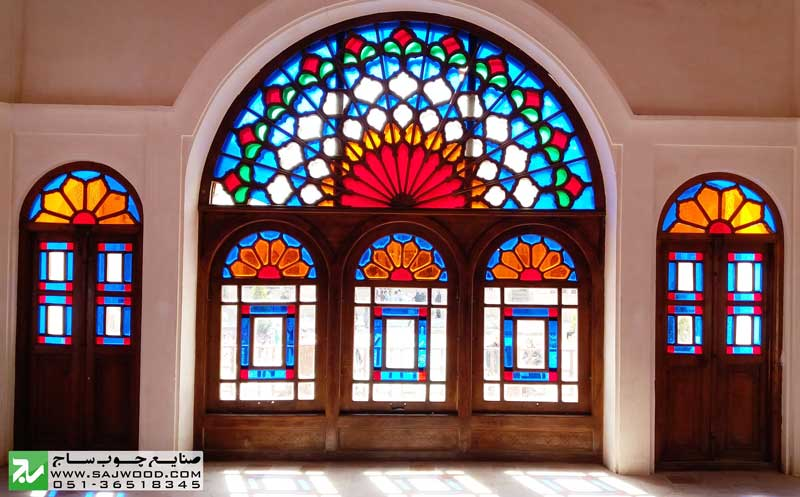 پنجره ارسی شیشه رنگی و قواره بری
