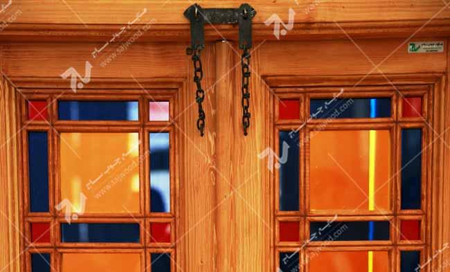 پنجره ارسی شیشه رنگی چوبی سنتی گره چینی مشبک طرح شمس کد W200