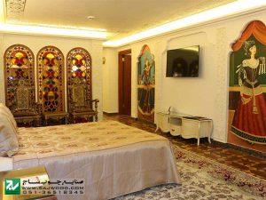 قواره بری چوبی،ارسی شیشه رنگی اجرا شده در هتل بین المللی قصر طلایی خراسان رضوی