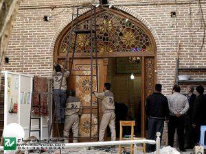 درب و سردرب تمام چوب با شیشه های رنگی،ارسی مسجد تاریخی1200 ساله شش ناو تفرش