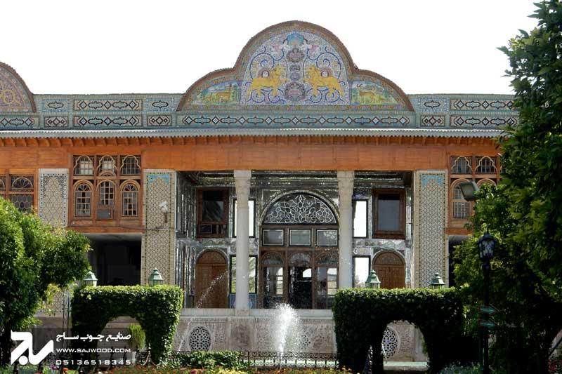 پنجره ارسی چوبی سنتی شیشه رنگی گره چینی باغ نارنجستان قوام شیراز