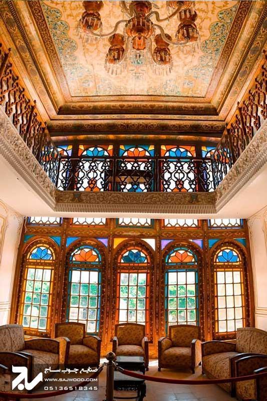 پنجره سنتی شیشه رنگی چوبی ارسی گره چینی|باغ نارنجستان قوام