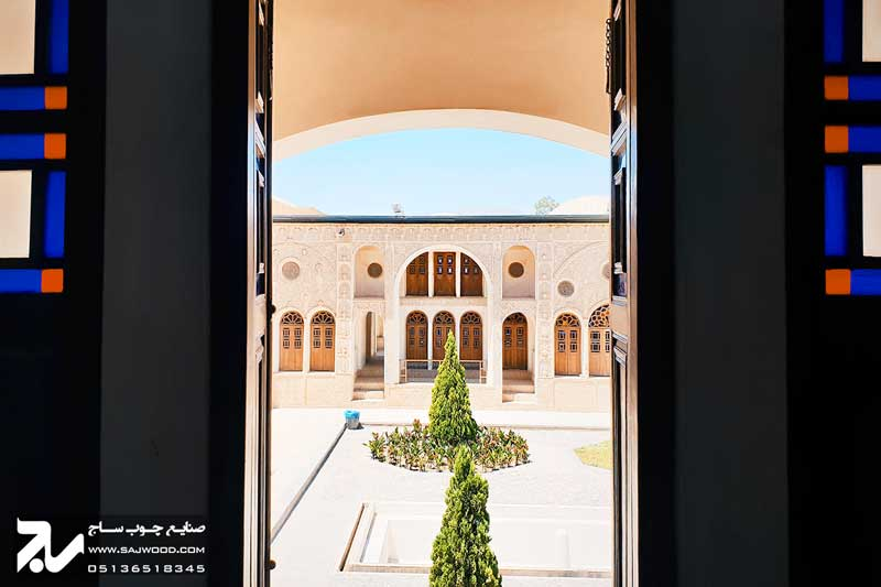 پنجره ارسی شیشه رنگی سنتی چوبی گره چینی|خانه طباطبایی