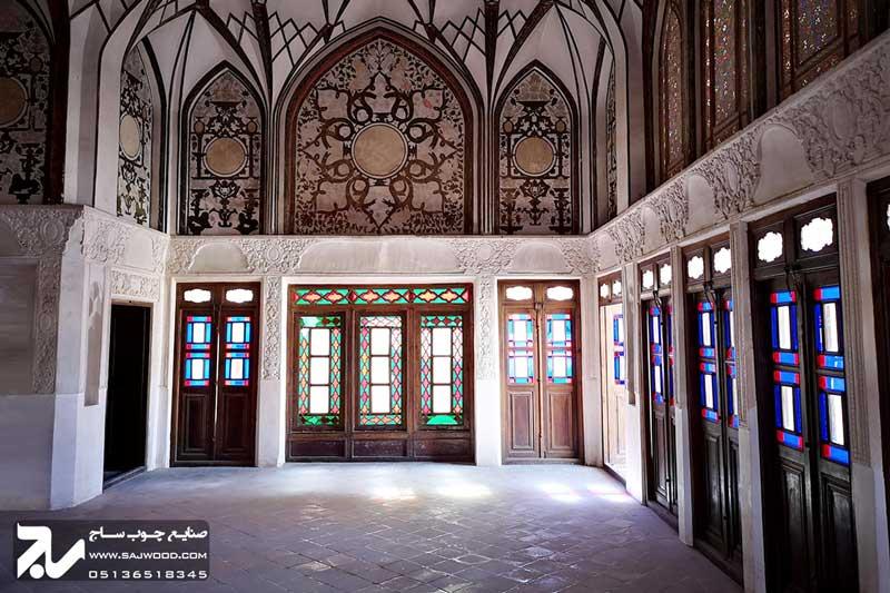 پنجره ارسی شیشه رنگی چوبی سنتی گره چینی|خانه طباطبایی
